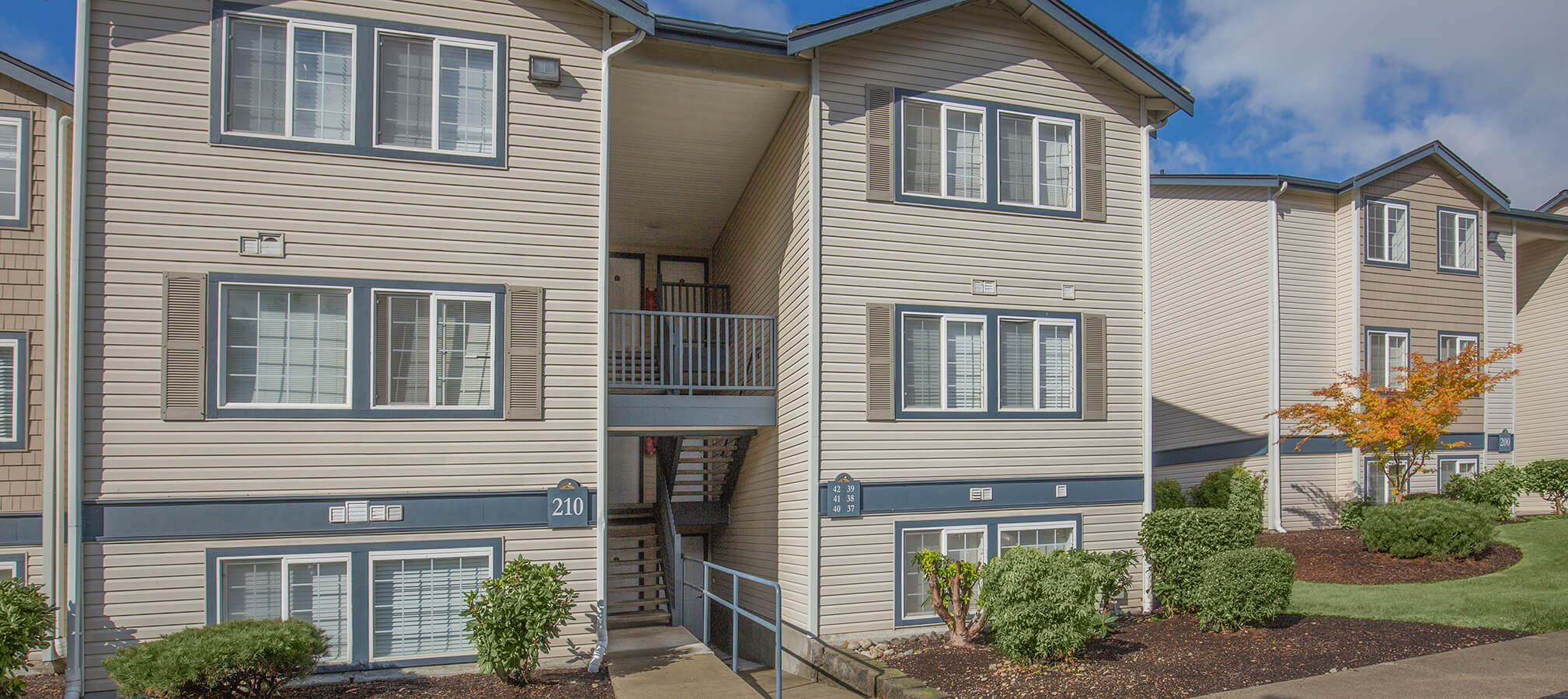 Nisqually Ridge Apartments slideshow image 3